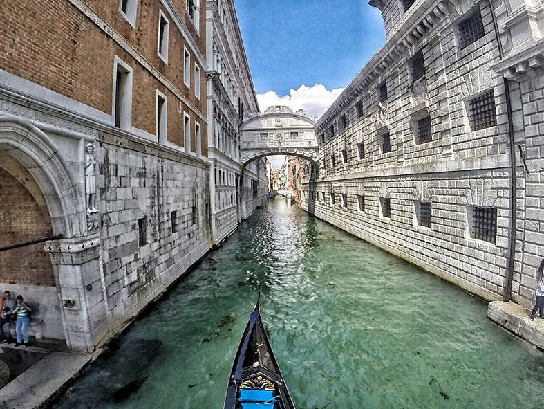 Home - Veneza.jpg